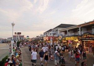 enjoy-a-fun-filled-night-on-the-boardwalk.jpg