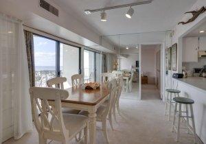 03-dining-area.jpg