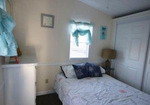 08-bedroom-1.jpg