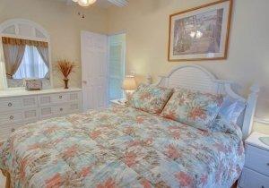 17-bedroom-2.jpg