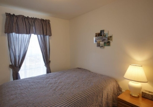 06-bedroom-1.jpg