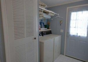 11-laundry-room.jpg