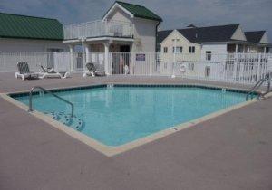 outdoor-roof-top-pool.jpg