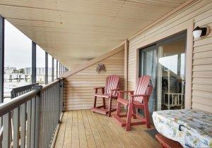 17-bayside-deck.jpg