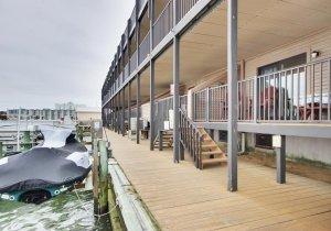 19-bayside-deck.jpg