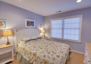 06-bedroom.jpg