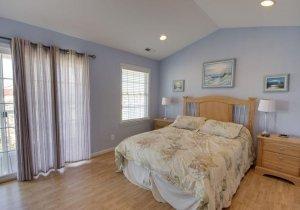 07-master-bedroom.jpg