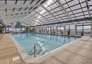 10-indoor-pool.jpg