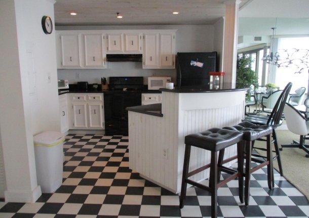 kitchen-breakfast-bar.jpg