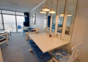 02-dining-room.jpg