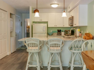 kitchen-and-breakfast-bar.jpg