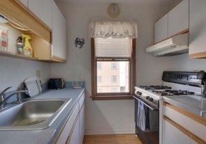 07-kitchen.jpg
