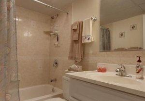 03-bathroom.jpg