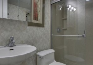 09-bathroom.jpg