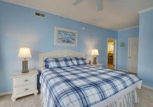 08-master-bedroom.jpg