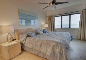 12-master-bedroom.jpg
