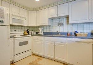 05-kitchen-2.jpg