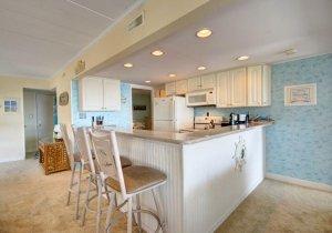 05-kitchen.jpg