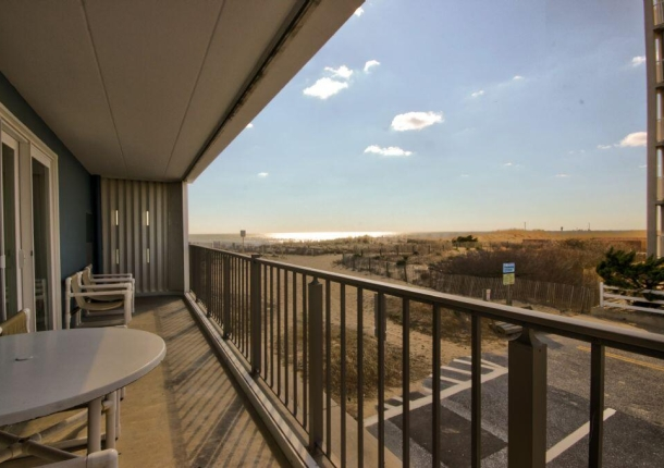 14-balcony.jpg