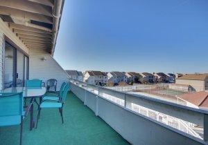 15-balcony.jpg