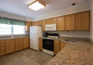 07-kitchen-2.jpg