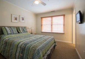 07-master-bedroom-2.jpg