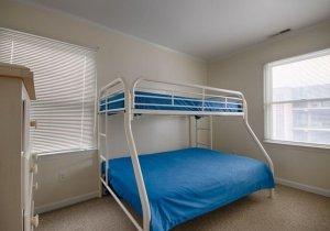 10-3rd-bedroom.jpg