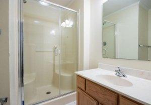 11-guest-bath.jpg