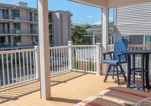 sandy-pause-balcony-4.jpg