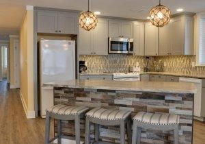 sandy-pause-kitchen-1.jpg