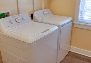 sandy-pause-laundry-1.jpg