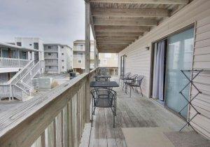 09-porch.jpg