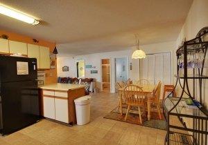 12-dining-kitchen.jpg