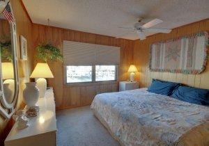 06-master-bedroom.jpg