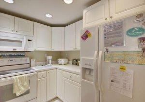 06-kitchen.jpg