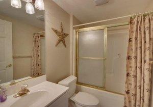 12-bathroom.jpg