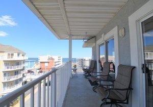 19-porch.jpg